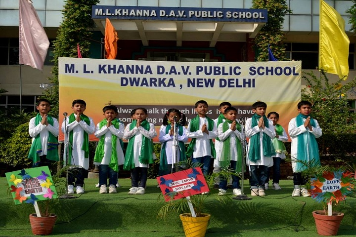 M L Khanna DAV Public School-Earth Day