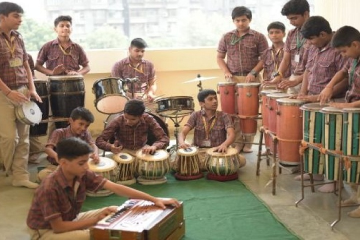 M L Khanna DAV Public School-Music room