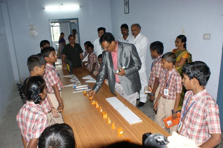 M J R Vidya English Medium High School-Laboratory
