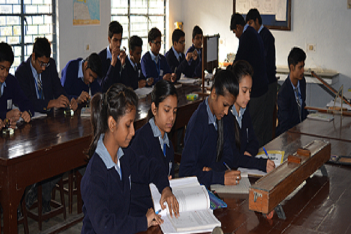 Delhi Kannada Senior Secondary School-Classroom