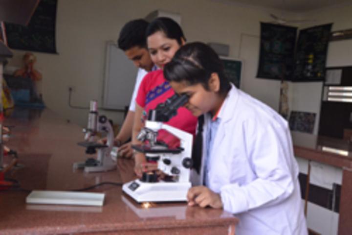G D Goenka Public School- Biology Lab