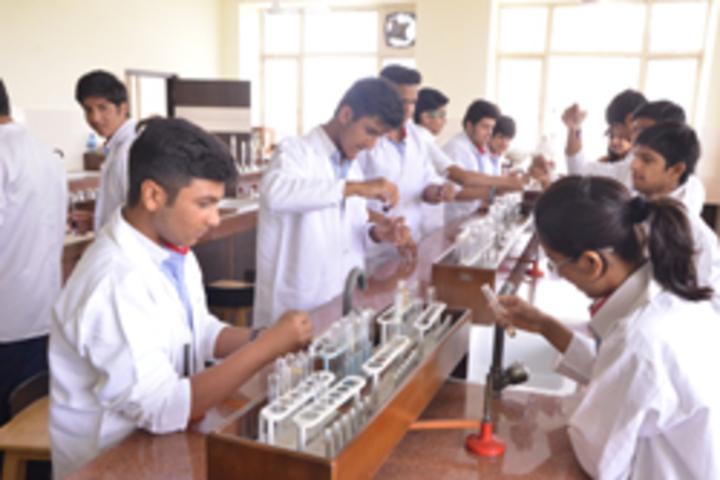 G D Goenka Public School- Physics Lab