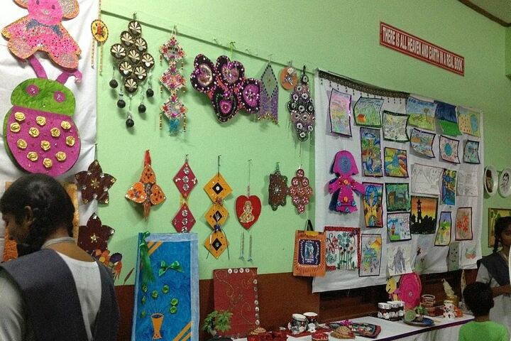 Carmel Senior Secondary School-Art and Craft
