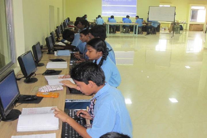 N St Mathews Public School-Computer Lab