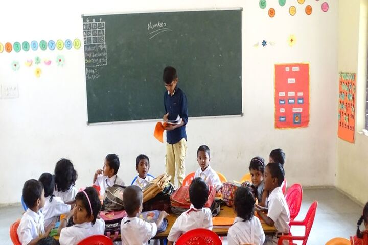 Ratnapuri Vidyalayam-Classroom