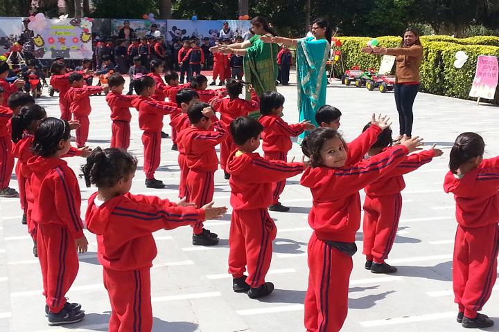 M R Vivekananda Model School-Yoga