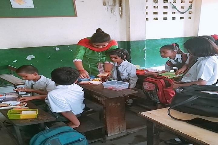 Maharishi Dayanand Model School-Classroom view