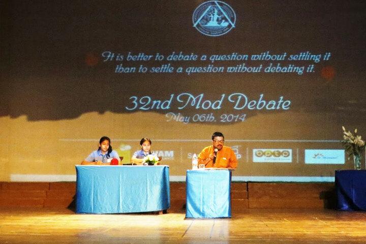 Modern School-Debate