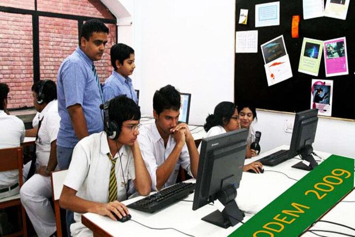 Modern School-Language Lab