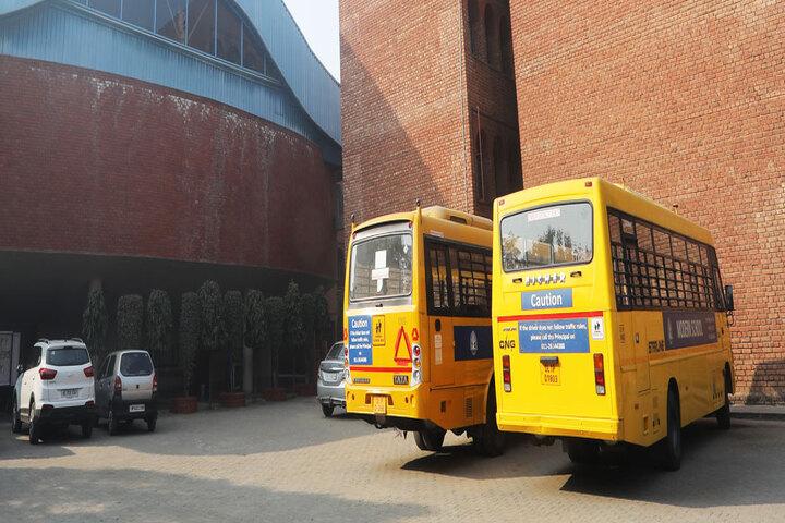 Modern School-Transport