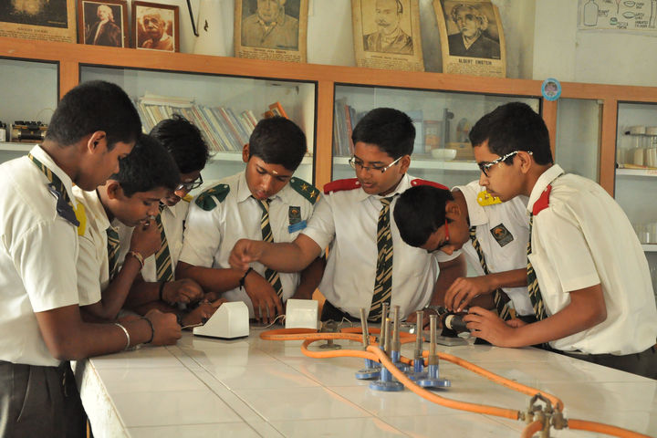 Takshasila Public School-Physics Lab