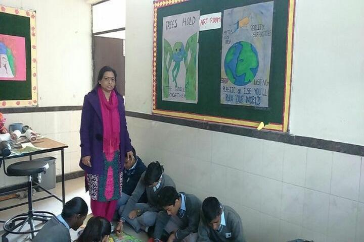 Navyug School-Art-Room