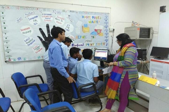 Navyug School-Computer-Lab1