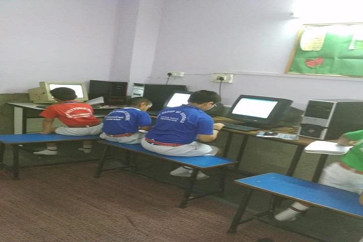New Holy Public School-Computer Lab