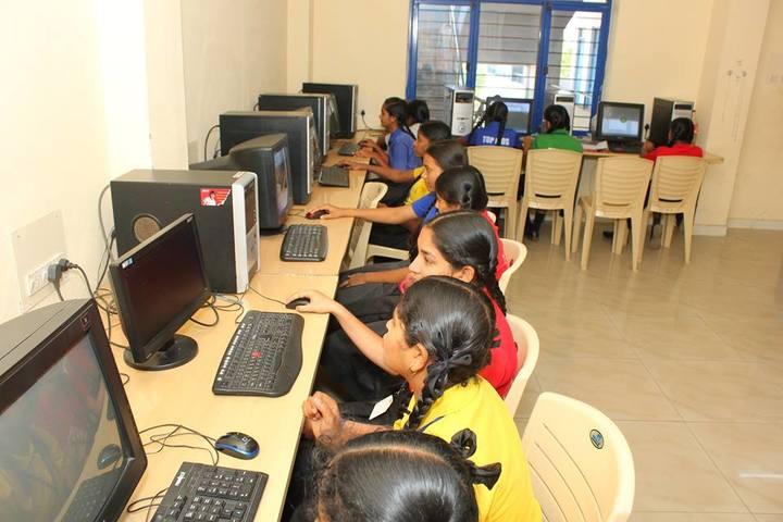 Top Kids School-Computer Lab