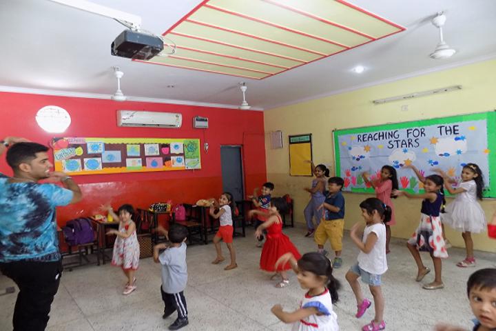 P G D A V Sr Sec School-Dance class