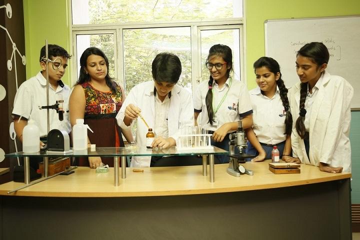 PP International school-Lab