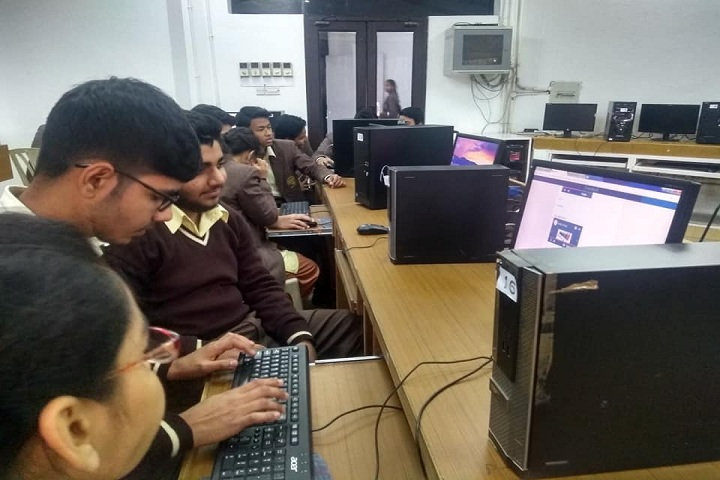 Poorna Prajna Public School-IT Lab