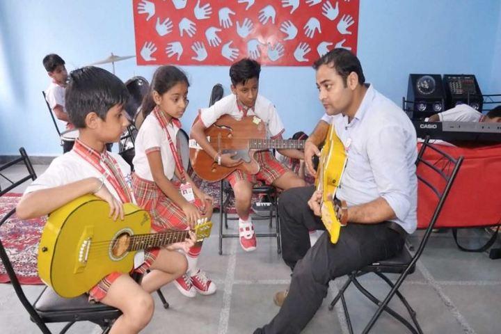 Queen Global International School-Music Class