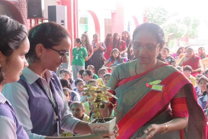 Queens Convent-Teachers Day
