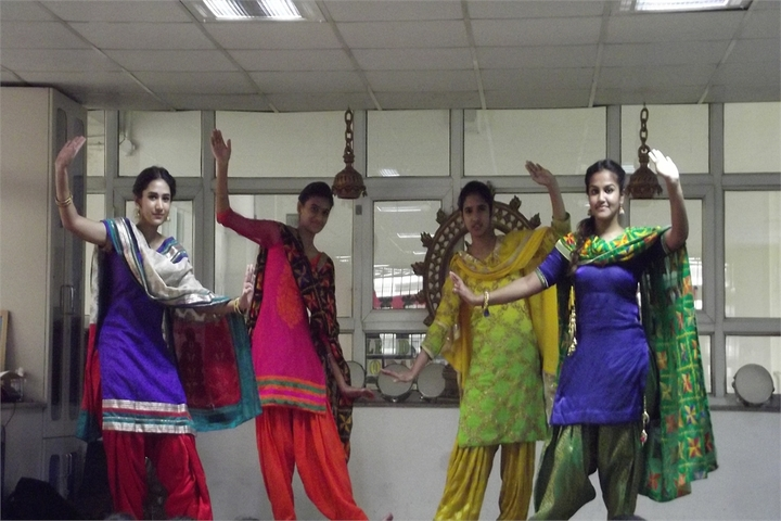 Queens Valley School-Dance Class