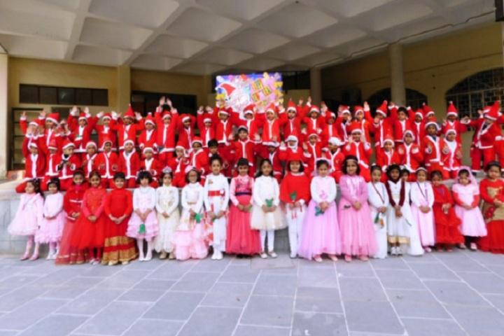 Rainbow English School-Christmas Celebration