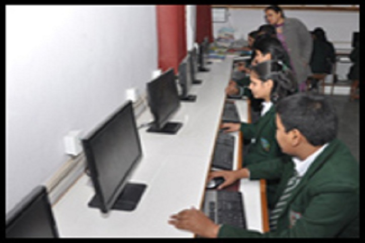 Sanatan Dharam Public School-Computer Lab