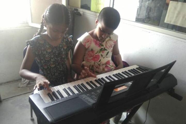 VIVA The School- Music