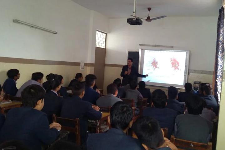 Saraswati Bal Mandir Senior Secondary School-Smart-Class