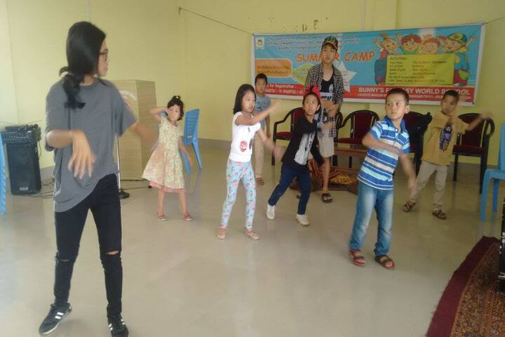 Bunnys Fantasy World School-Dance