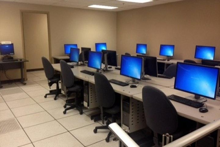 Bunnys Fantasy World School-IT Lab