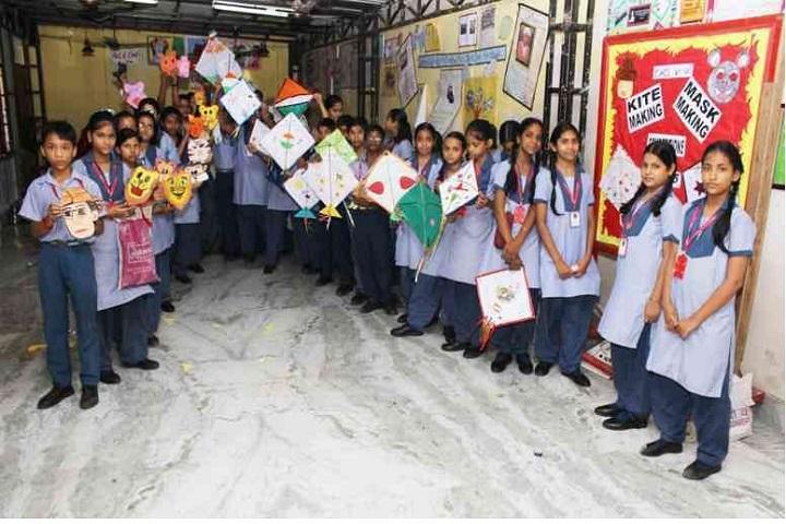 Vanasthali Public School-Kite Making