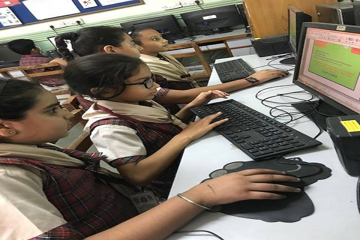 Veda Vyasa D A V Public School-Computer-Lab
