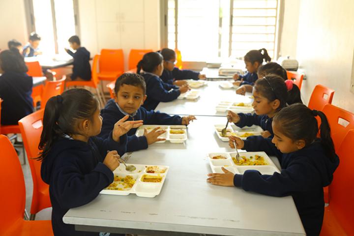 Aavishkar School-Cafeteria