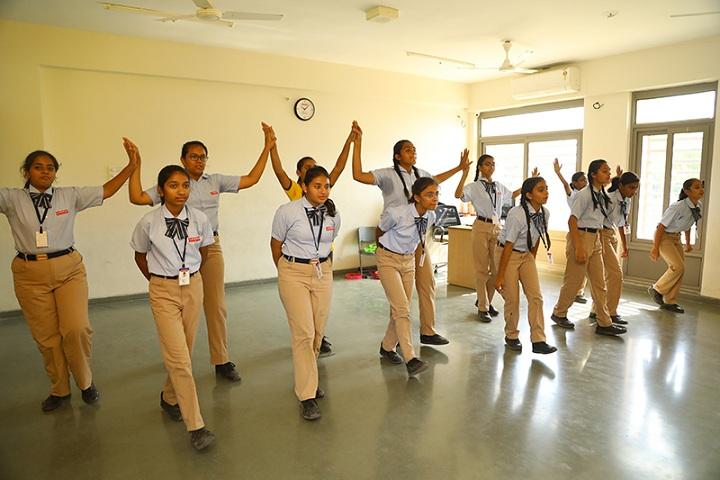 Aavishkar School-Dance Class