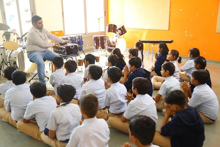 Aavishkar School-Music class