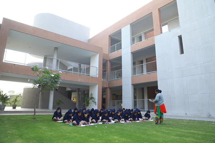 Aavishkar School-Open classrooms