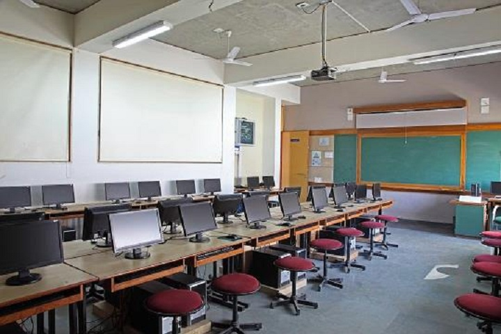 Adani Vidya Mandir-Computer Lab