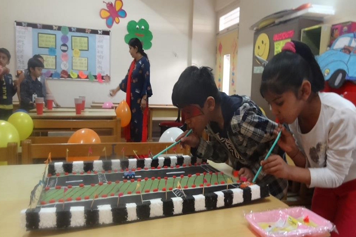 Amarchand Singhvi International School-Kids play area