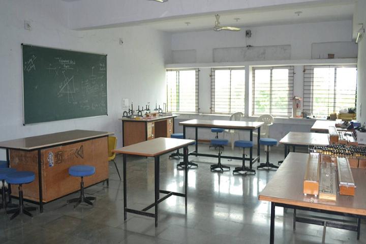 American School Of Baroda-Physics-Lab