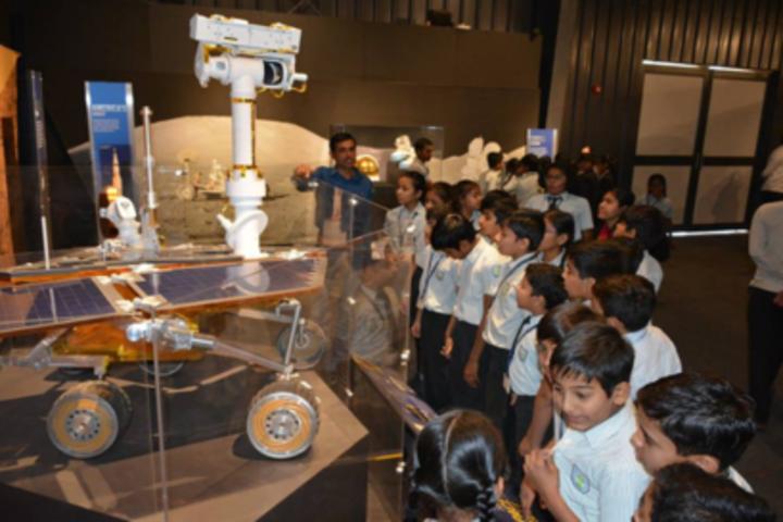 Anand Niketan School-Excursion