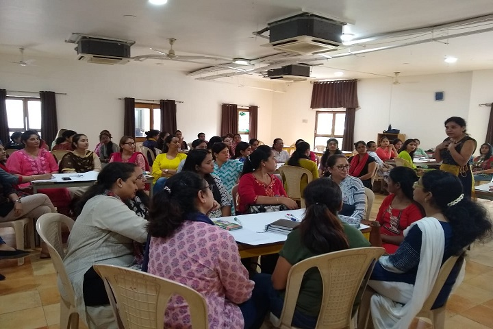 Anand Niketan-Seminar
