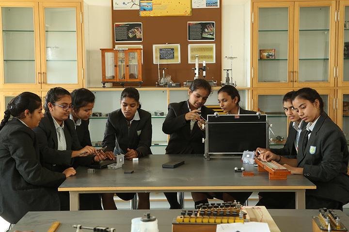 Anand Niketan School Sughad Campus-Physics Lab