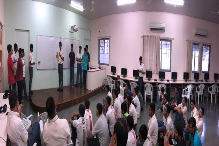 Atmiya Vidya Mandir-Computer Lab