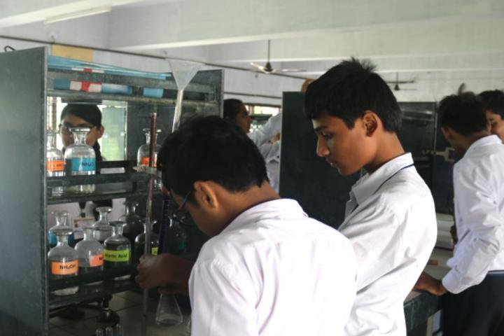 Bhakt English Medium School-Chemistry Lab
