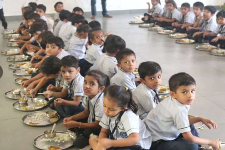 Bhakt English Medium School-Food facility
