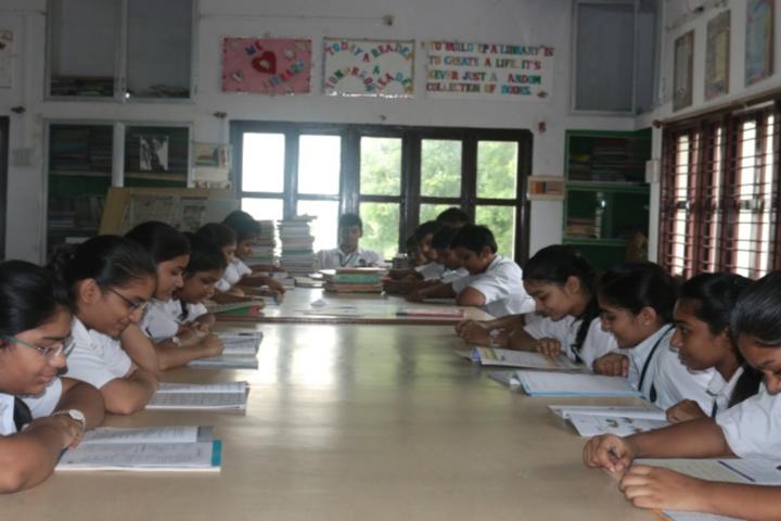 Bhakt English Medium School-Library