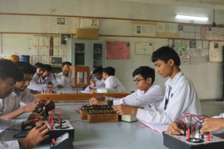 Bhakt English Medium School-Physics Lab