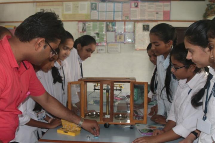 Bhakt English Medium School-Science Lab