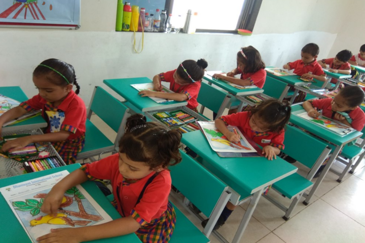 Blue Moon International School,Karjan-Painting Class